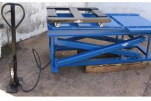 Plataforma niveladora hidráulica manual